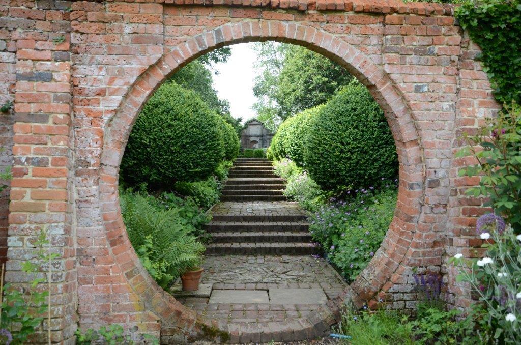 庭 イギリス で 美しい 一 番