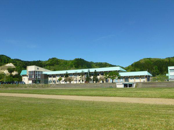 空き校舎がBUNACOのものづくりを発信する工場・カフェに! | 住まいの ...