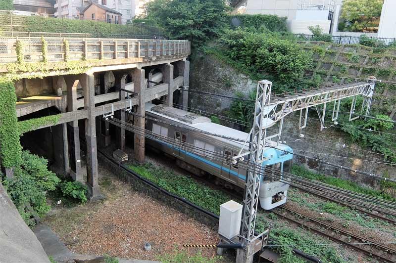 泡沫の夢と消えた幻の鉄道線「未成線」。廃線跡に続く新たな観光資源と ...